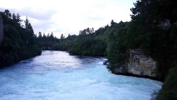 huka falls 2
